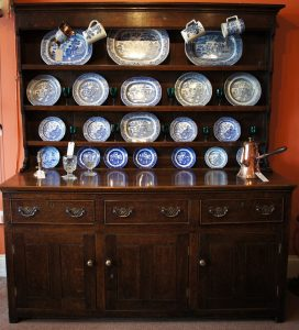 18thc Oak Dresser with Rack